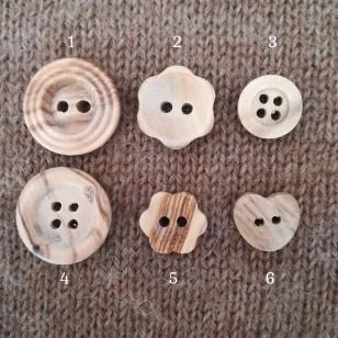 Botões em madeira